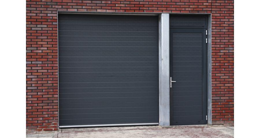 Garagentor mit tür  Klütsch Verladetechnik - Garagentore | Exklusive Garagensektionaltore